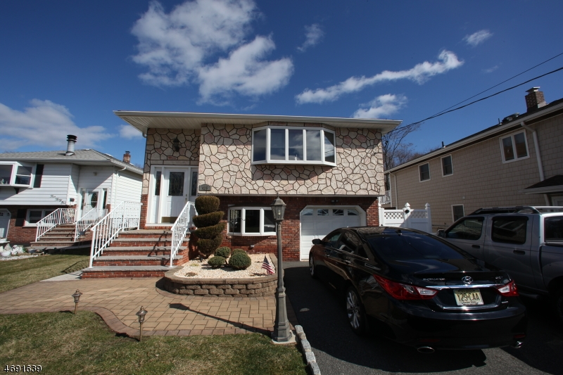 Casa Unifamiliar por un Venta en Address Not Available Elmwood Park, Nueva Jersey 07407 Estados Unidos
