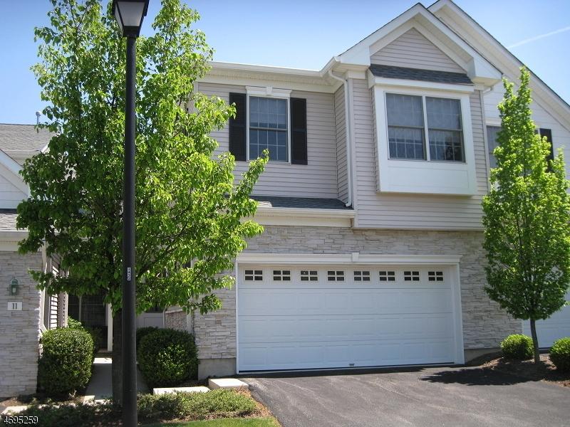 Casa Unifamiliar por un Alquiler en 13 Cheryl Lane Roseland, Nueva Jersey 07068 Estados Unidos