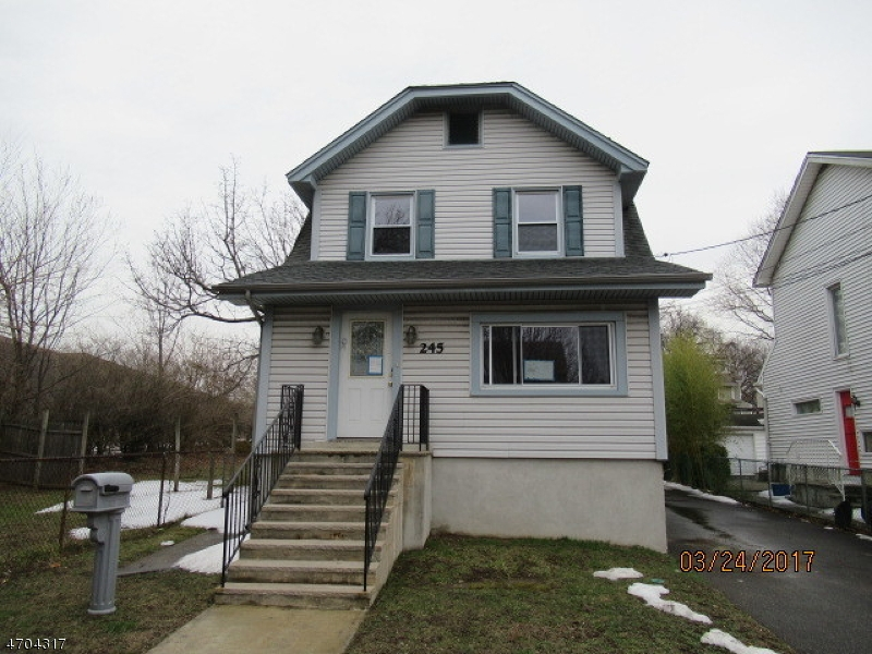 Single Family Home for Sale at 245 4TH Street Ridgefield Park, New Jersey 07660 United States