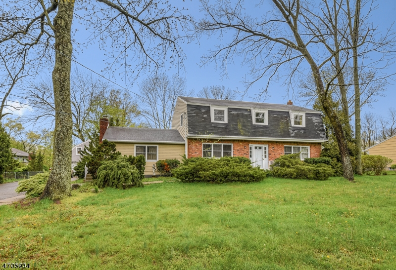 Single Family Home for Sale at 165 S Ridgedale Avenue East Hanover, 07936 United States