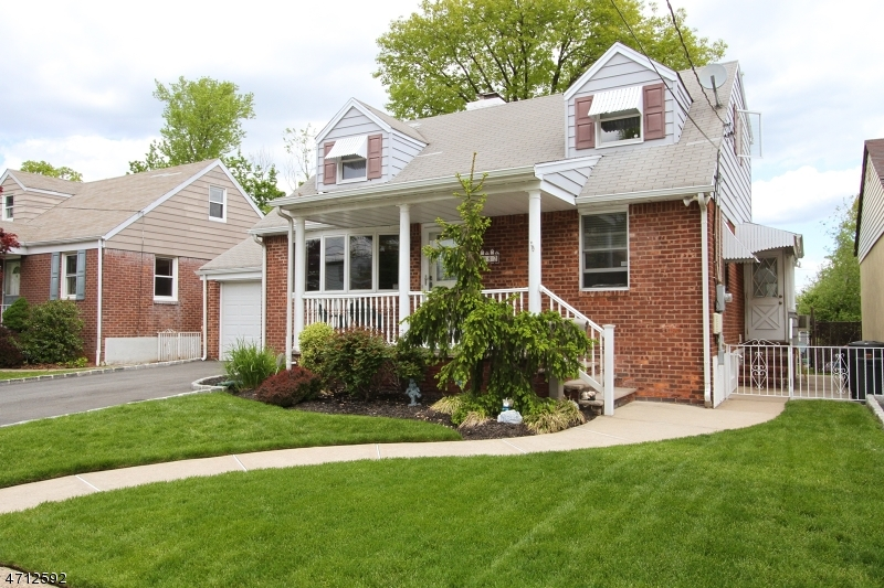 Single Family Home for Sale at 82 Lexington Avenue Rochelle Park, New Jersey 07662 United States