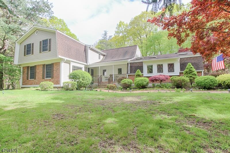 Casa Unifamiliar por un Venta en 61 Mountain Road Ledgewood, Nueva Jersey 07852 Estados Unidos