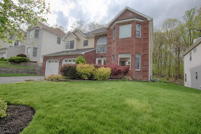 Casa Unifamiliar por un Venta en 106 Seasons Glen Drive Morris Plains, Nueva Jersey 07950 Estados Unidos