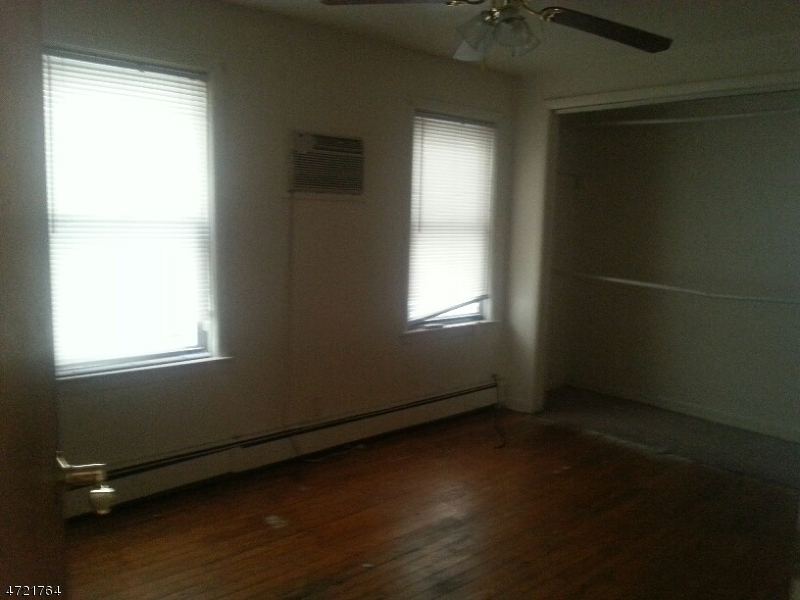 Additional photo for property listing at 180 Beech Street  Paterson, 뉴저지 07501 미국