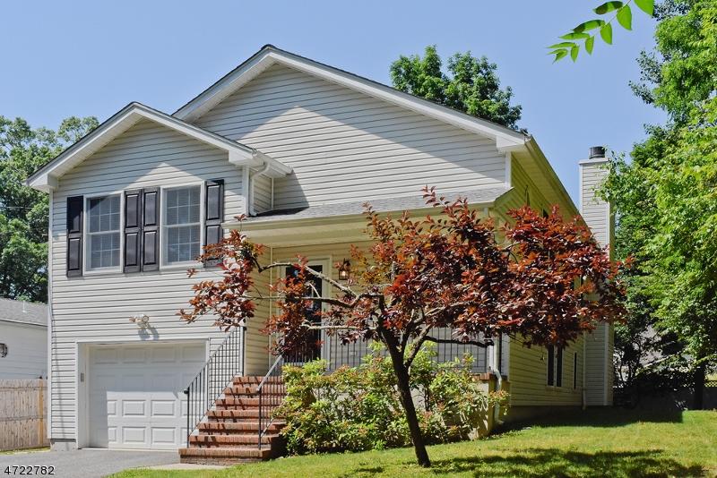 Maison unifamiliale pour l Vente à 5 Summit Avenue Wharton, New Jersey 07885 États-Unis