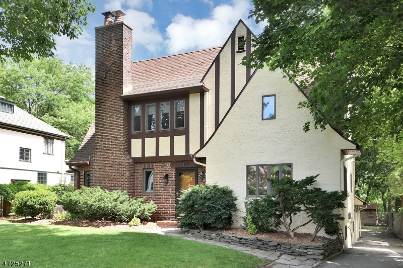 Single Family Home for Sale at 1 Mead Ter Glen Ridge, New Jersey 07028 United States