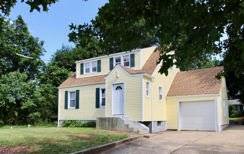 Casa Unifamiliar por un Alquiler en 424 HWY 202 Raritan, Nueva Jersey 08822 Estados Unidos
