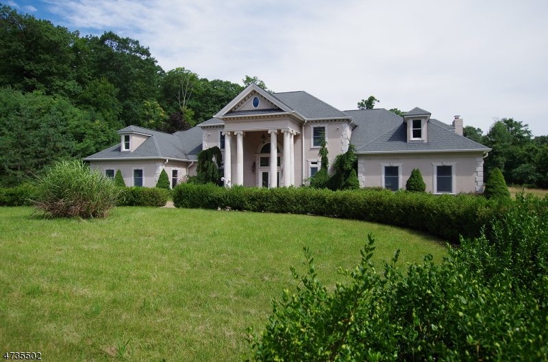 Single Family Home for Sale at 25 Hideaway Lane Sparta, 07871 United States