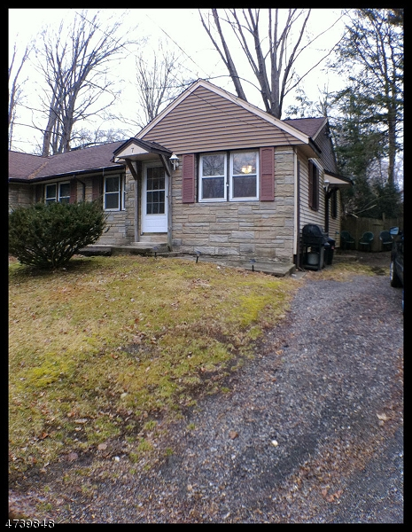 Частный односемейный дом для того Аренда на 7 SOUTHARD Road Mount Arlington, Нью-Джерси 07856 Соединенные Штаты