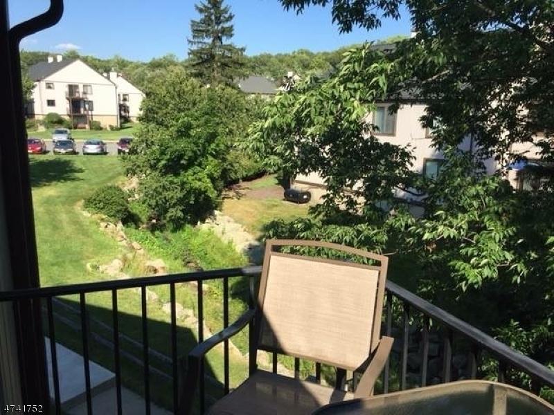 Maison unifamiliale pour l à louer à 7109 Dell Place Stanhope, New Jersey 07874 États-Unis