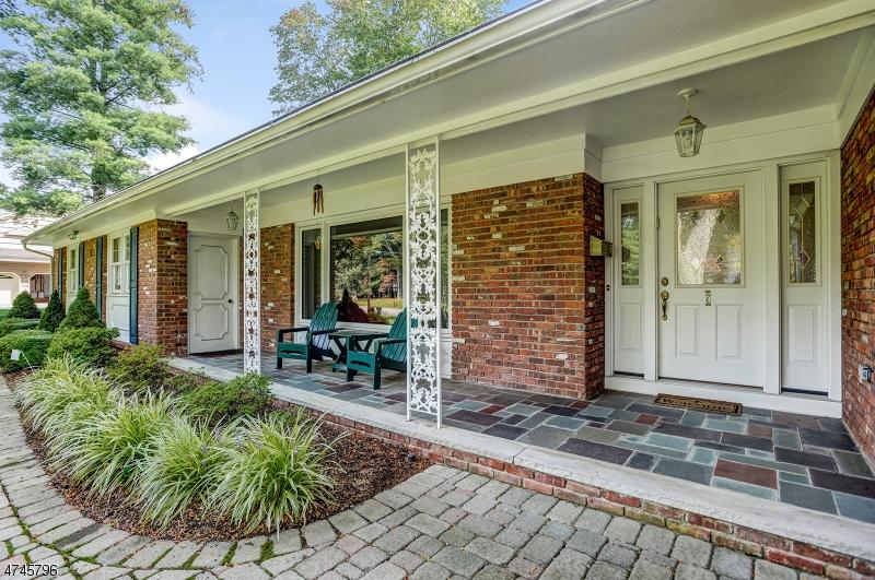 独户住宅 为 销售 在 7 Rall Court 罗斯兰德, 新泽西州 07068 美国