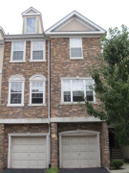 Maison unifamiliale pour l à louer à 168 Winchester Court Clifton, New Jersey 07013 États-Unis