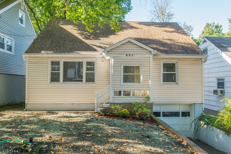 Casa Unifamiliar por un Venta en 451 W Lookout Avenue Hackensack, Nueva Jersey 07601 Estados Unidos