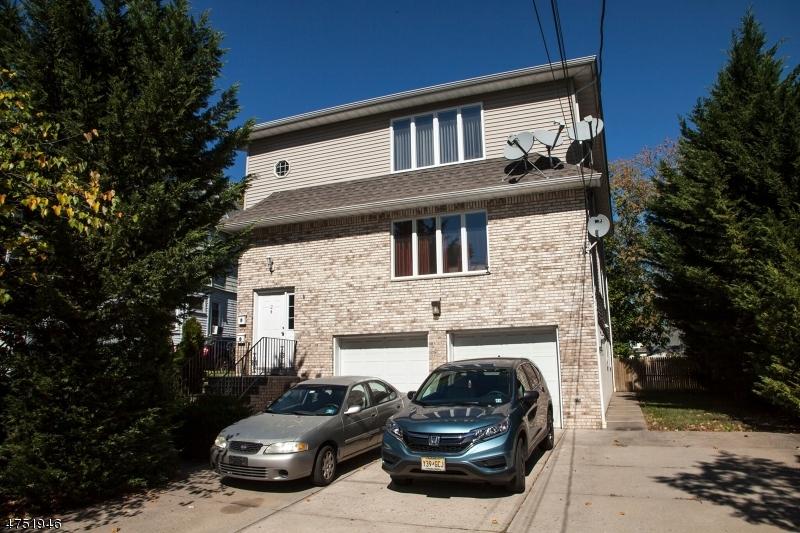 متعددة للعائلات الرئيسية للـ Sale في 24 Princeton Street 24 Princeton Street Clifton, New Jersey 07014 United States
