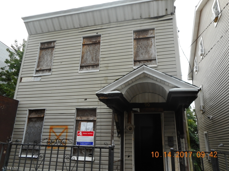Additional photo for property listing at 90-92 N 3RD Street 90-92 N 3RD Street Paterson, New Jersey 07522 Vereinigte Staaten