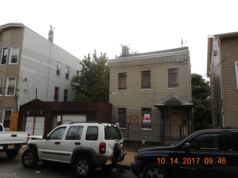 Additional photo for property listing at 90-92 N 3RD Street 90-92 N 3RD Street Paterson, New Jersey 07522 États-Unis