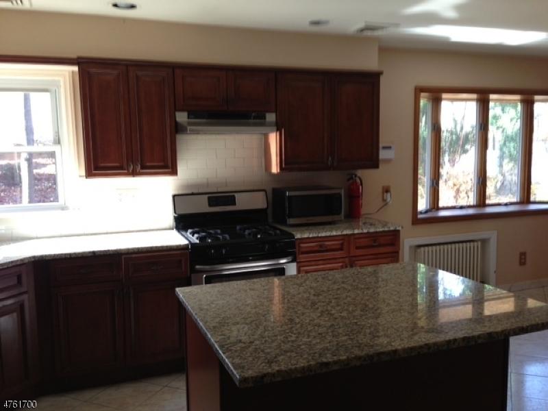 獨棟家庭住宅 為 出租 在 5 Baldwin Ter Wayne, 新澤西州 07470 美國