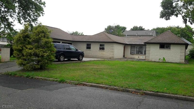 Casa Unifamiliar por un Venta en 35 Clark Avenue Edison, Nueva Jersey 08817 Estados Unidos
