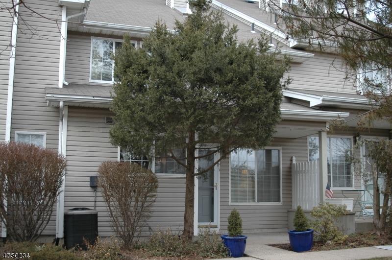 Частный односемейный дом для того Аренда на 14 Morgan Court Bedminster, Нью-Джерси 07921 Соединенные Штаты