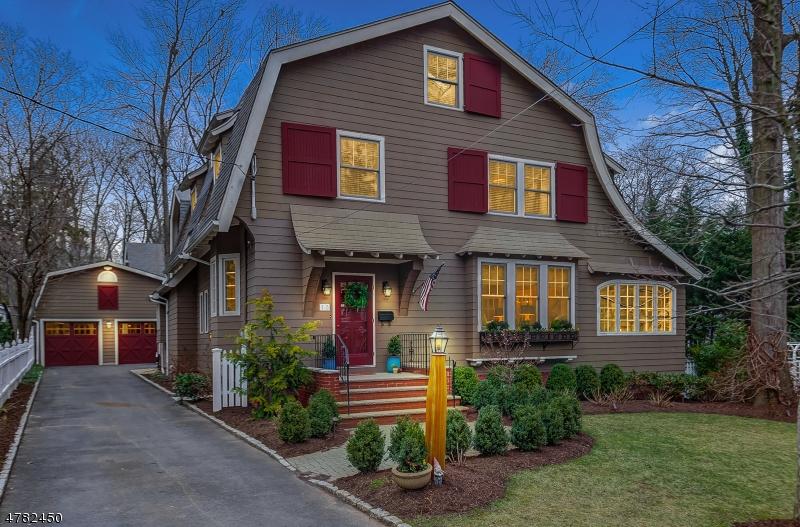 Maison unifamiliale pour l Vente à 13 Roosevelt Road Maplewood, New Jersey 07040 États-Unis