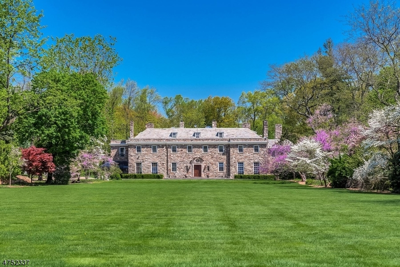 Single Family Home for Sale at 10 LYNWOOD WAY 10 LYNWOOD WAY West Orange, New Jersey 07052 United States