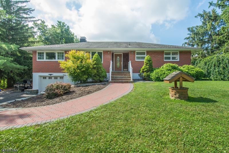 独户住宅 为 销售 在 16 Adelaide Terr 西米尔福德, 新泽西州 07480 美国