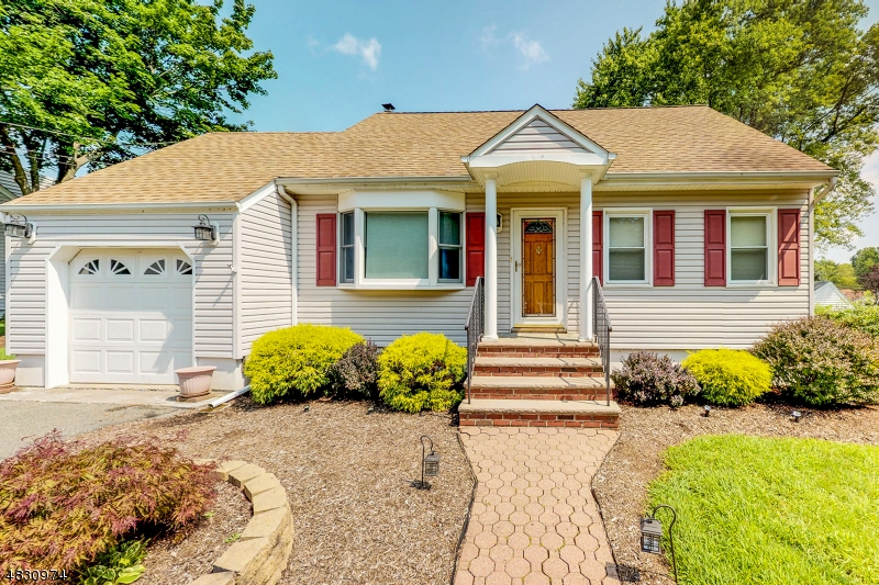 Single Family Home for Sale at 14 Winding Way Denville, New Jersey 07834 United States