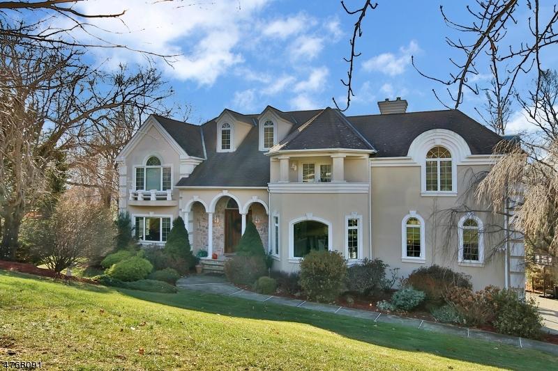 獨棟家庭住宅 為 出售 在 4 VIZCAYA Court Wayne, 新澤西州 07470 美國