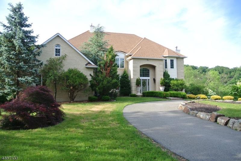Частный односемейный дом для того Продажа на 850 WESTBROOK Road West Milford, Нью-Джерси 07480 Соединенные Штаты