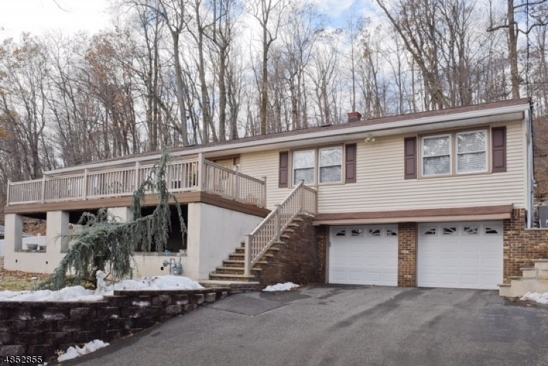 Single Family Home for Sale at 131 DE GRAY Street North Haledon, New Jersey 07508 United States