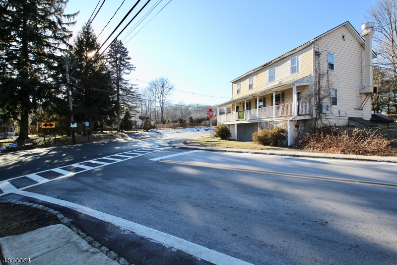 Additional photo for property listing at  Mine Hill, New Jersey 07803 États-Unis