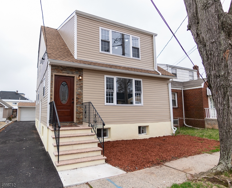 Maison avec plusieurs logements pour l Vente à 1289 StreetATE Street Hillside, New Jersey 07205 États-Unis