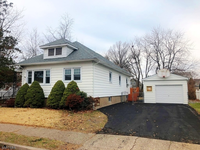Single Family Homes for Sale at Elmwood Park, New Jersey 07407 United States