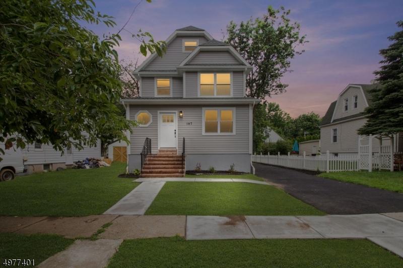 Single Family Homes por un Venta en Teaneck, Nueva Jersey 07666 Estados Unidos