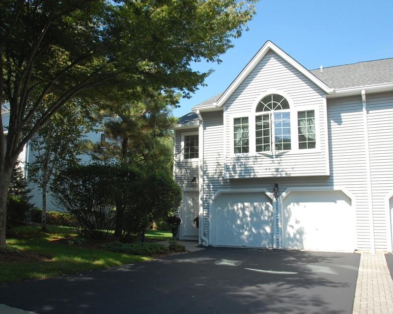 Частный односемейный дом для того Продажа на 12 Bradshaw Ct, 602 Hillsdale, 07642 Соединенные Штаты
