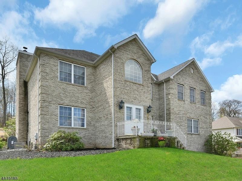 独户住宅 为 销售 在 26 CANAL CROSSING Lake Hopatcong, 07849 美国