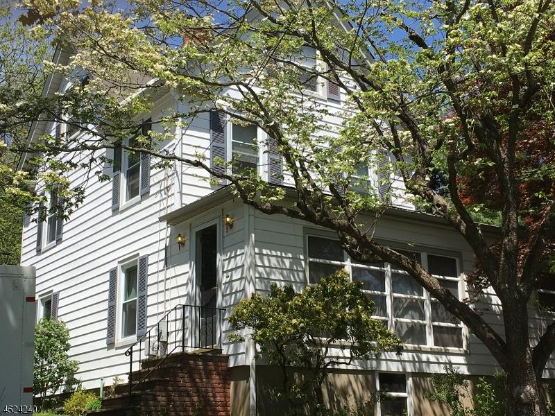 独户住宅 为 销售 在 26 Sunnyslope Avenue 米林顿, 新泽西州 07946 美国