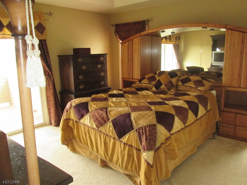 Additional photo for property listing at 40 Bourne Circle  Hardyston, New Jersey 07419 États-Unis