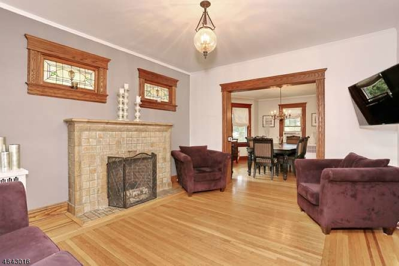 Additional photo for property listing at 81 Diamond Bridge Avenue  Hawthorne, New Jersey 07506 États-Unis