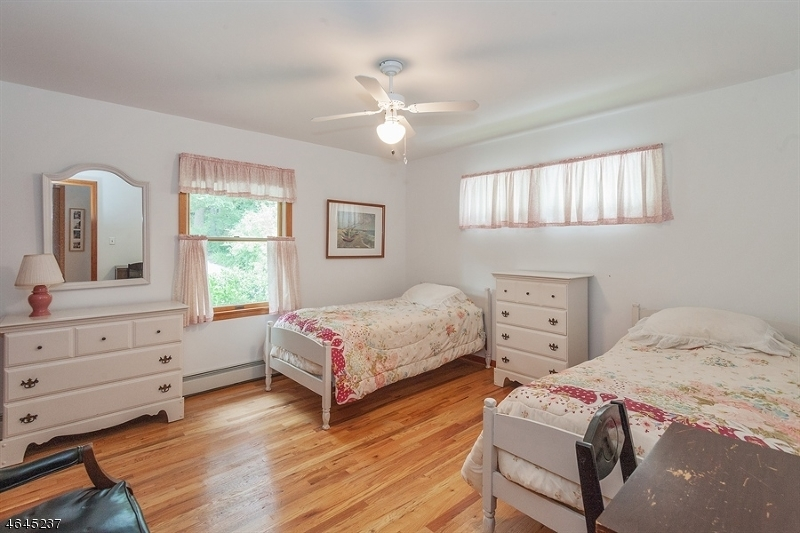 Additional photo for property listing at 209 Lakeside Blvd  Hopatcong, New Jersey 07843 États-Unis