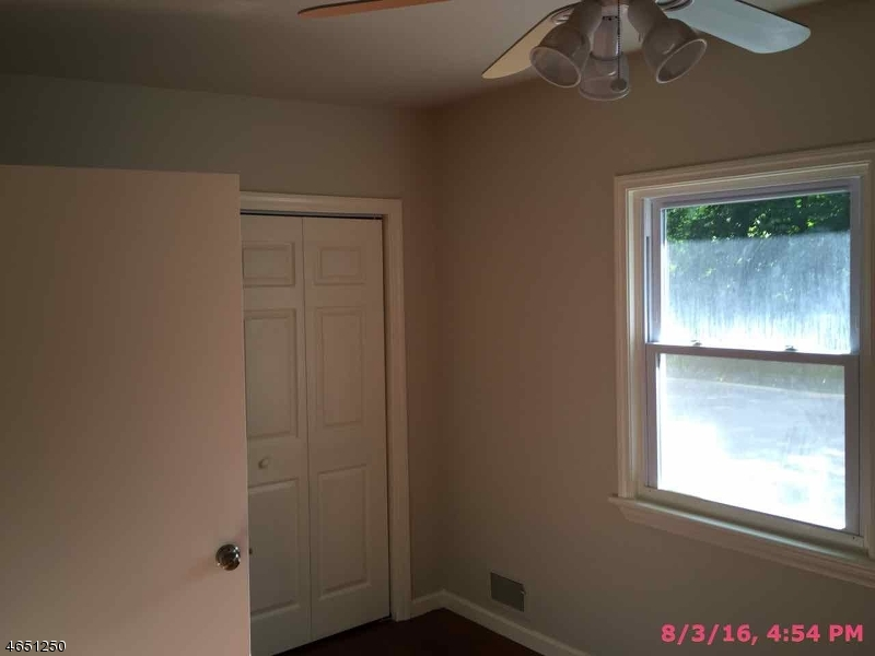 Additional photo for property listing at 668 Green Pond Road  Rockaway, New Jersey 07866 États-Unis