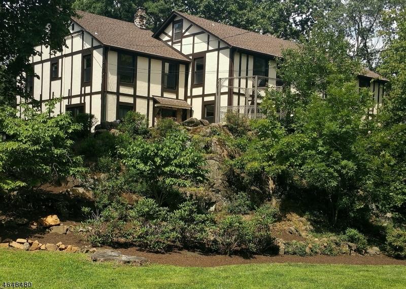 独户住宅 为 销售 在 21 Fern Ter 韦恩, 新泽西州 07470 美国