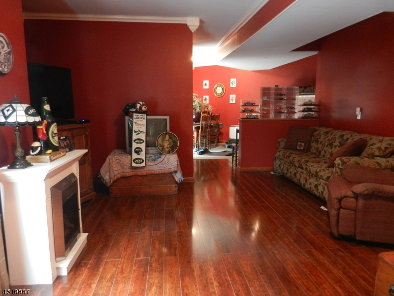 Additional photo for property listing at 1258 FAIRVIEW Circle  Stewartsville, New Jersey 08886 United States