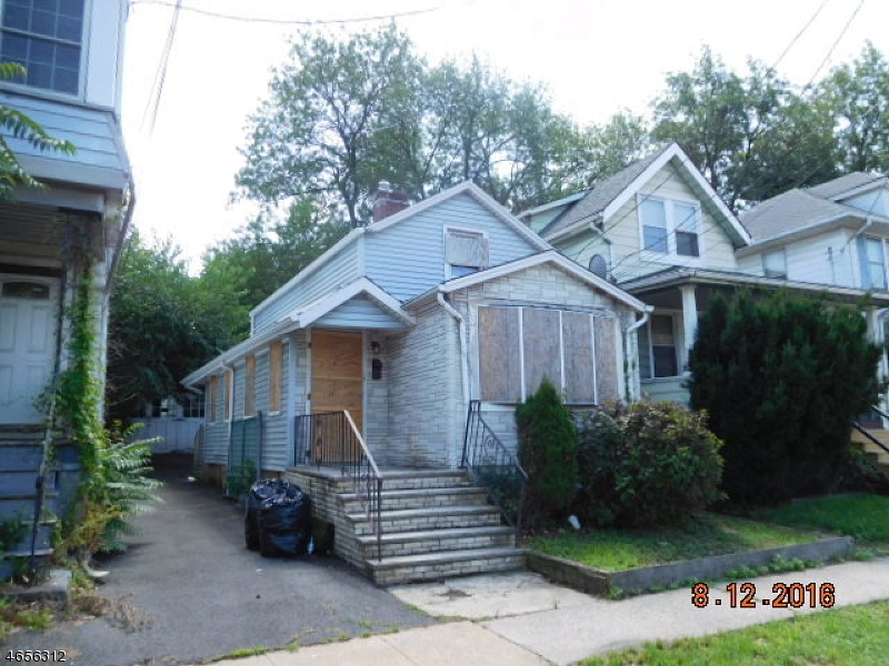 Additional photo for property listing at 84 Cleremont Avenue  Irvington, Nueva Jersey 07111 Estados Unidos