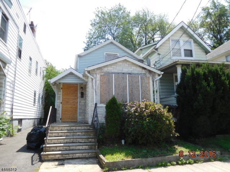 Additional photo for property listing at 84 Cleremont Avenue  Irvington, New Jersey 07111 États-Unis
