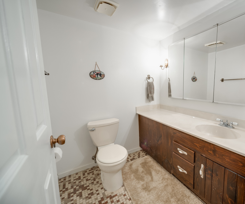 Additional photo for property listing at 102 Goldfinch Mdws  Hackettstown, Нью-Джерси 07840 Соединенные Штаты
