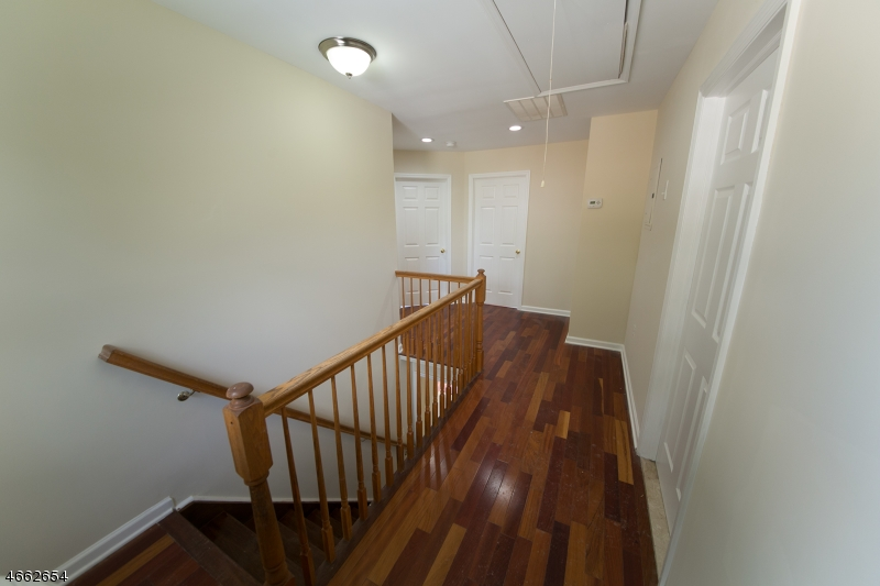 Additional photo for property listing at 1970 Price Street  Rahway, Нью-Джерси 07065 Соединенные Штаты