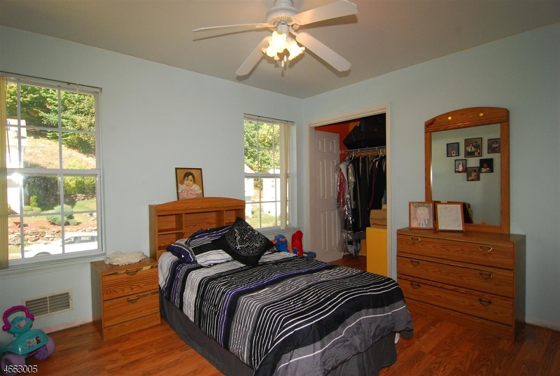 Additional photo for property listing at 21 Julia Ter  Dover, New Jersey 07801 États-Unis