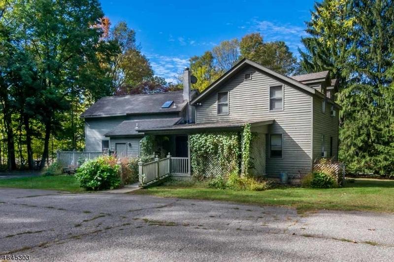 Casa Multifamiliar por un Venta en 446 Schooleys Mountain Hackettstown, Nueva Jersey 07840 Estados Unidos