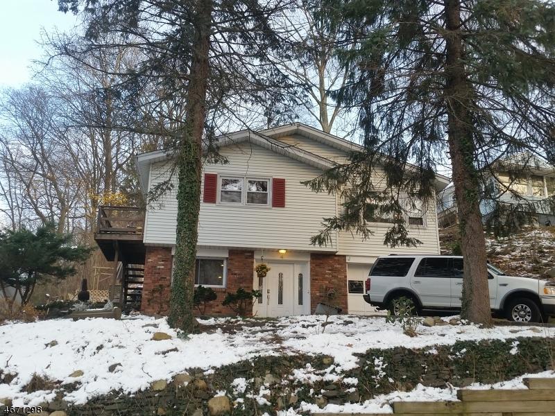 Частный односемейный дом для того Продажа на 4 Cobb Place Landing, 07850 Соединенные Штаты